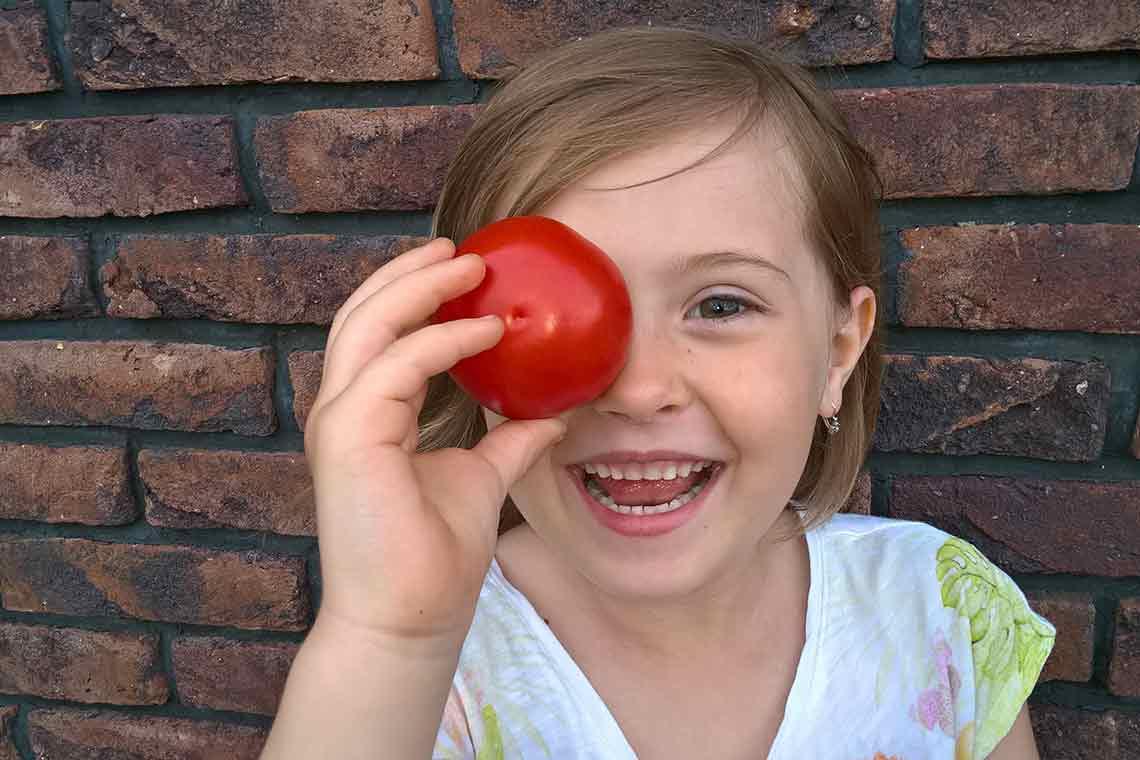 Ako naučiť deti jesť paradajky?